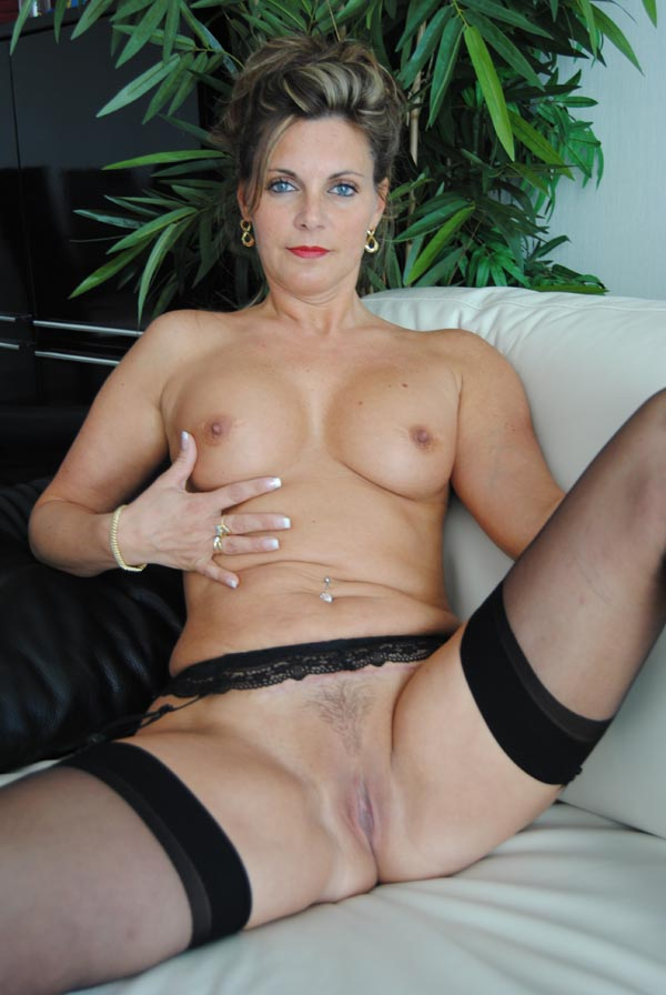 Ejac sur les bas de ma femme cumshot on stockings - 2 part 7