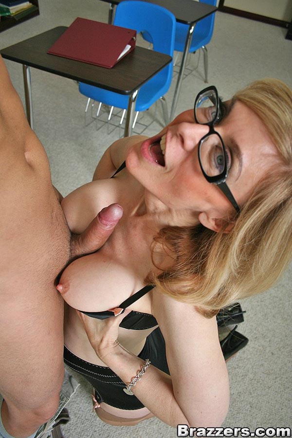 www.ninahartley.com
