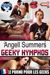 Angell Summers dans ' Angell Summers : Geeky Nymphos ' en VOD